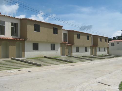 """Fotos de casas en el proyecto """"quintas doradas"""" en San Salvador"""