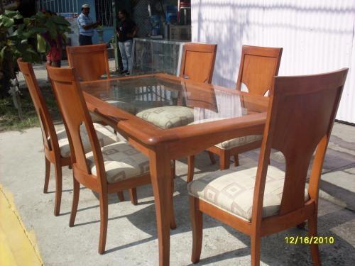 Vendo comedor de cedro modelo medallon tallado 6 sillas for Comedor 12 personas chile