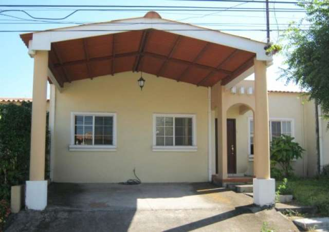 Fotos de Casas en venta en residencial quintas las mercedes de 2 niveles 3