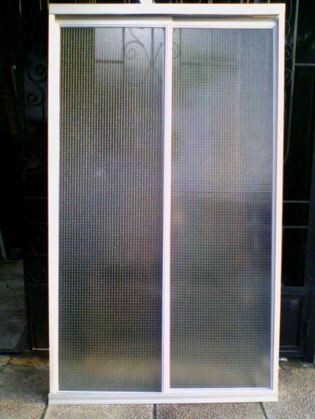 Puertas De Baño San Martin:Fotos de Puerta para baños aluminio blanco vidrio natural