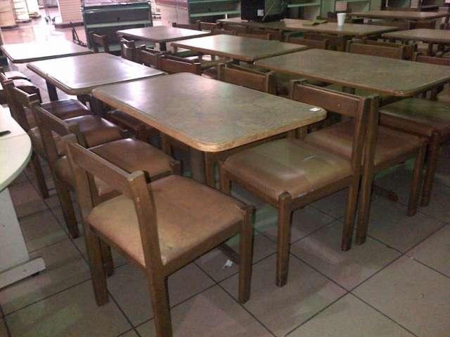 Vendo 10 juegos de mesas y sillas, ideal para restaurante o comedor ...