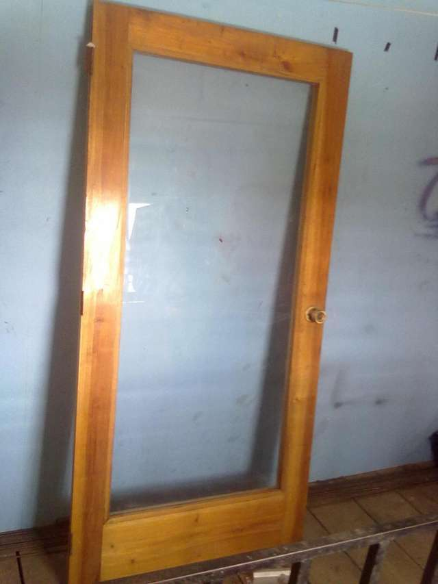 Puertas de madera para jardin fabulous quedar inutilizada for Como hacer una puerta de madera con vidrio