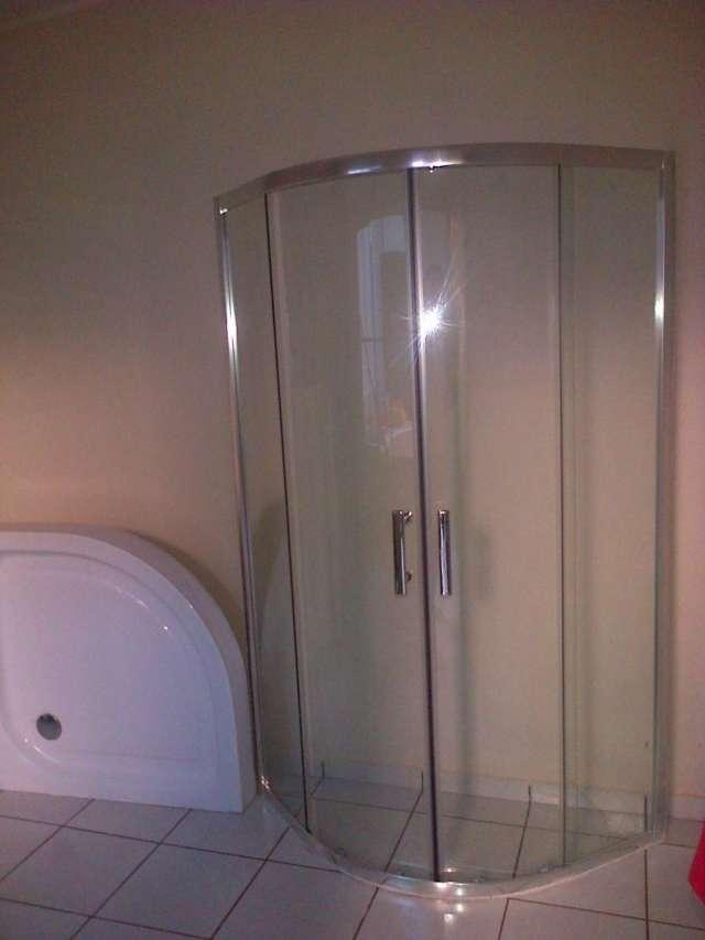Puertas Para Baño Corredizas:Puerta de vidrio corrediza para bano en Ilopango, El Salvador – Otros