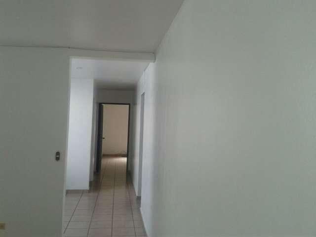 Apartamento sin muebles en zona media de la escalón $600 en San ...