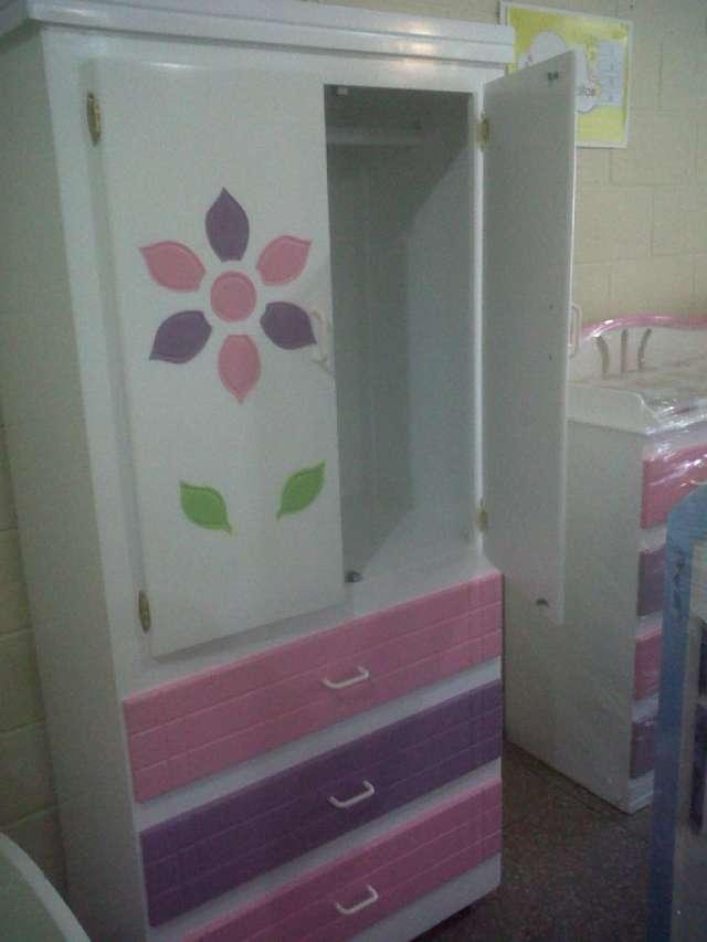 Venta de muebles para bebe en san salvador for Closet para ninos madera