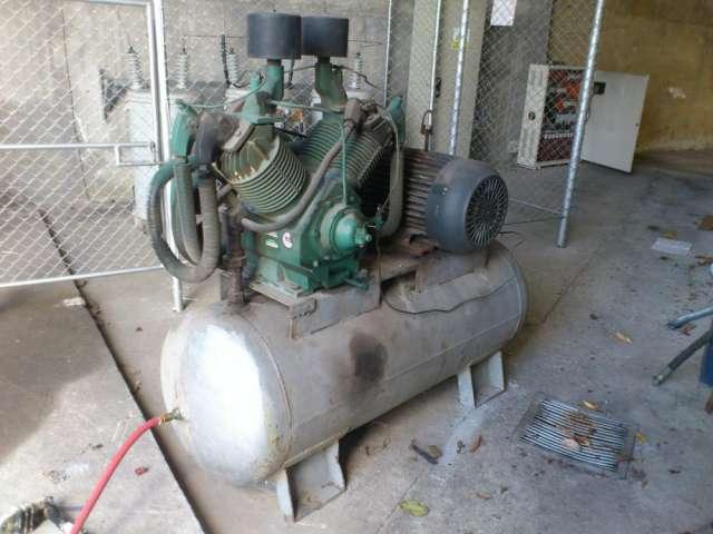 Venta de compresor 20hp,banco capacitores, medidor de altura, maquina sopladora bekum 141 alemana