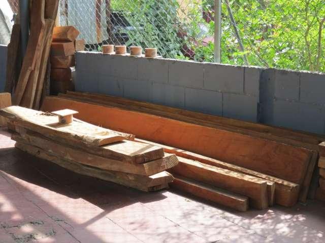 Se vende madera de cedro barata y en buen estado