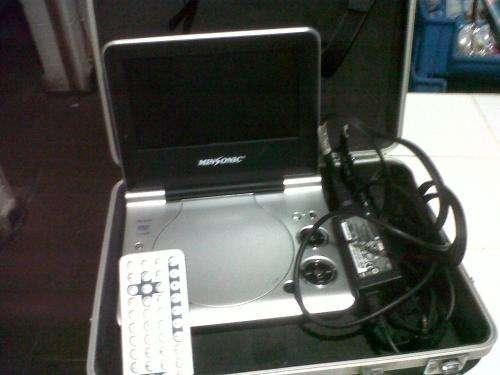 Se vende dvd player portatil con su maletin