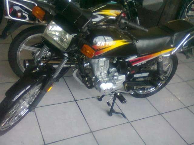 Motocicleta en venta buen precio $950.00 neg.