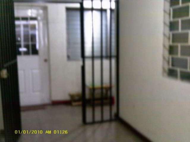 Alquilo oficina en zona medica ex embajada