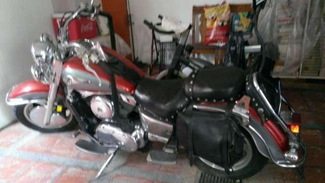 Vendo moto año 2000 kawasaki