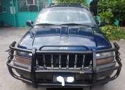 Vendo jeep grand cherokee año 2001 blindada nivel 7