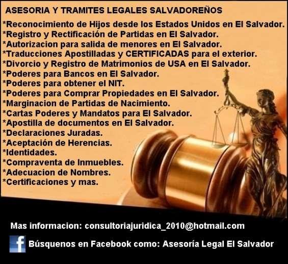 Abogados y notarios salvadoreños.