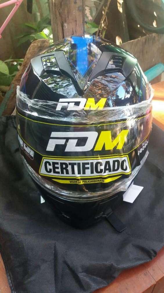 Vendo casco con sertificaciones para motociclista