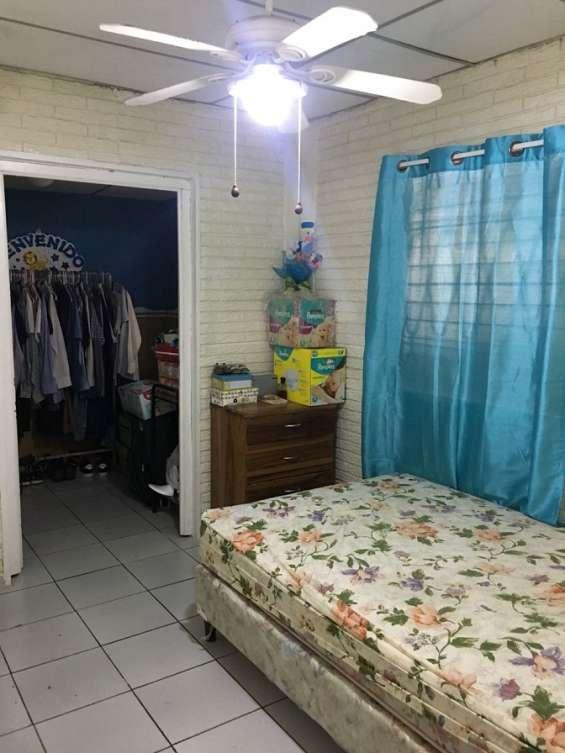Habitación 2 de 3
