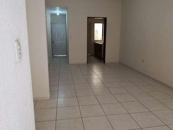 Fotos de Vendo casa residencial miramar, privado, 1 planta, de esquina, tiene 410 v2 de t 6