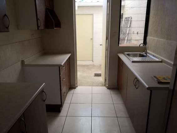 Fotos de Vendo casa residencial miramar, privado, 1 planta, de esquina, tiene 410 v2 de t 3