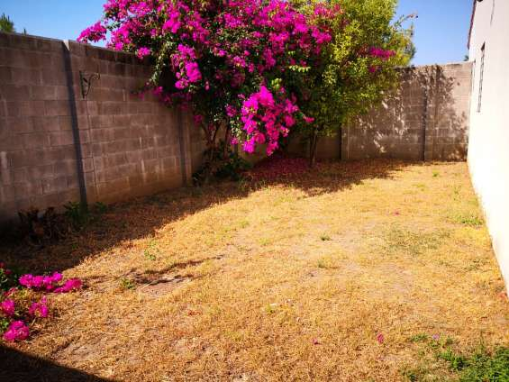 Fotos de Vendo casa residencial miramar, privado, 1 planta, de esquina, tiene 410 v2 de t 2