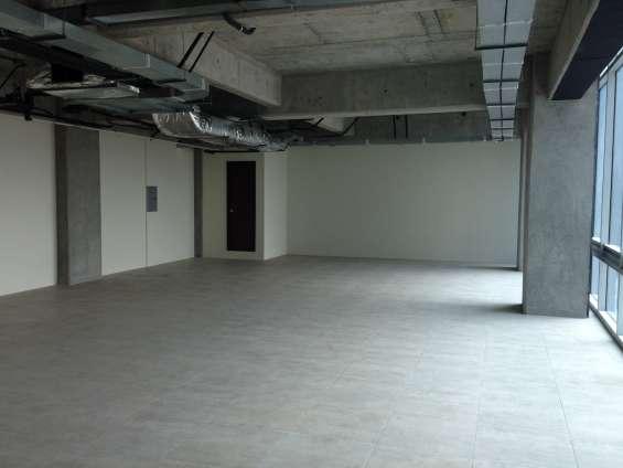 Edificio insigne, 136.25 mts2 en nivel 16 en arrendamiento.