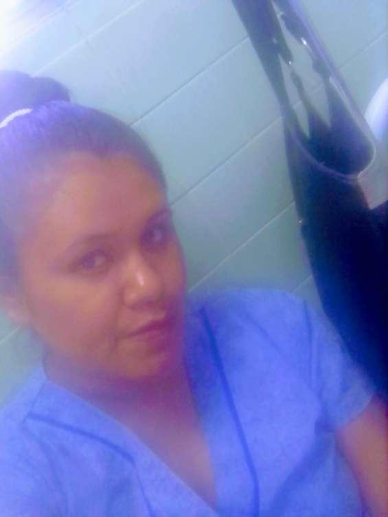 Busco trabajo de enfermera