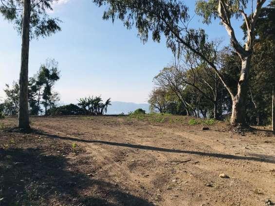 Alquilo terreno calle al volcan