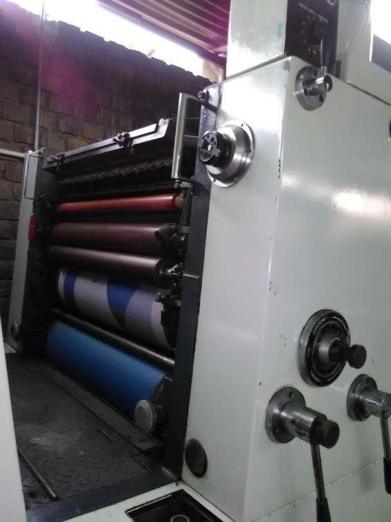 Fotos de Maquina offset  komori 425 de 4 colores